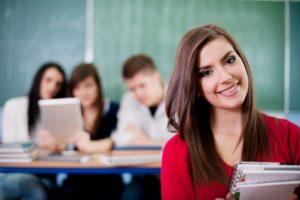 Средняя зарплата учителей в России составила 40 тыс рублей