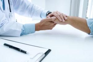Более 40% россиян не доверяют диагнозам врачей